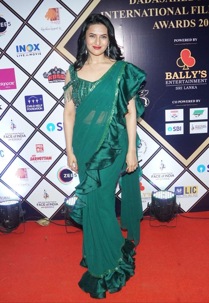 indian tv actresses in saree