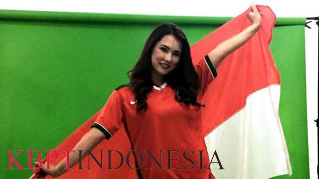 Maria Ozawa Mendukung Indonesia Dalam Pertandingan Laga Timnas U-23 Indonesia Vs Vietnam