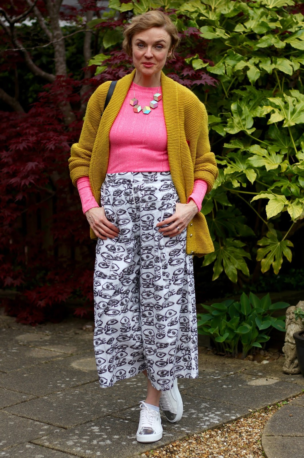 Culottes, white trainers, neon and a statement knit | Fake Fabulous