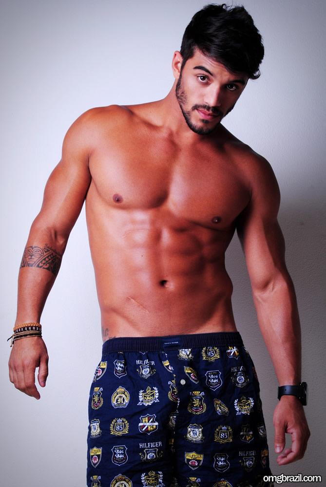 Ex-BBB André Coelho pelado (1)