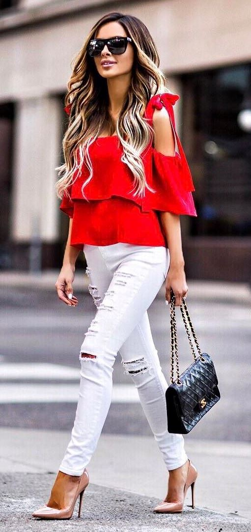 stylish outfit idea: top + bag + heels + rips