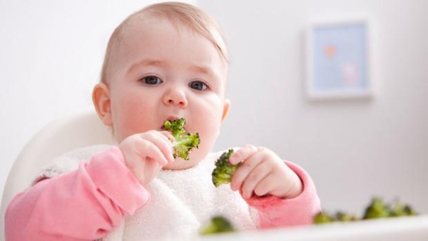 Keep Your Baby Awake During Feedings