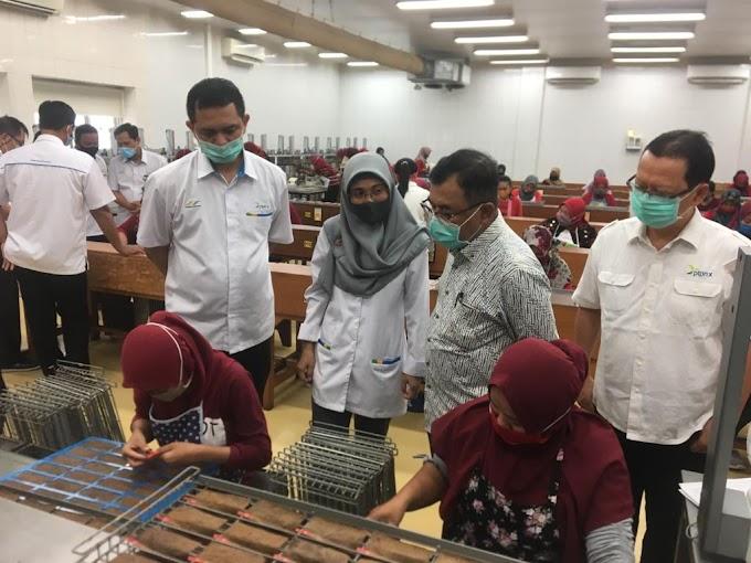 Sidak Direktur PTPN X Di Industri Bobbin Jelbuk
