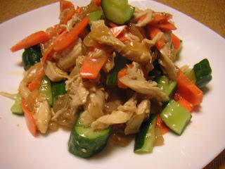 飽きない酒の肴 おつまみ 鶏ササミと中華クラゲの和物完成