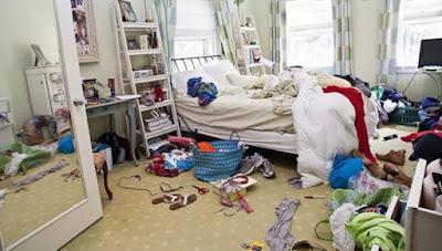 Kamar Tidur Berantakan