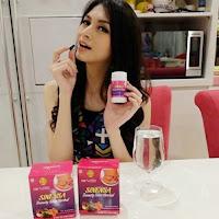 Donita Mengkonsumsi Obat Pelangsing Herbal Sinensa Beauty Slim Herbal - Obat Diet Para Artis Indonesia