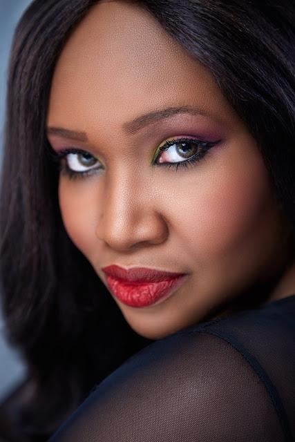 hermosa mujer de raza negra