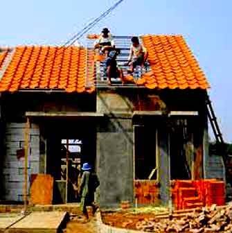 Membangun Rumah Dengan Sistem Kerja Harian Perlu Pelaksana Lapang