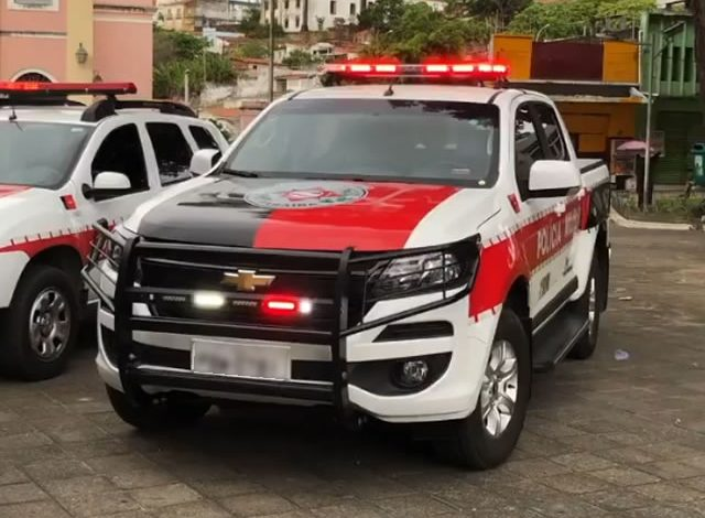 Dupla armada com espingarda rouba motocicleta de mulher na cidade de Sousa