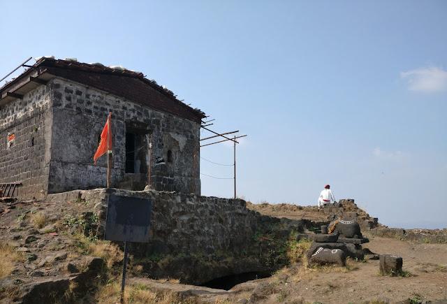 Tikona fort trek, Trambakeshwar temple