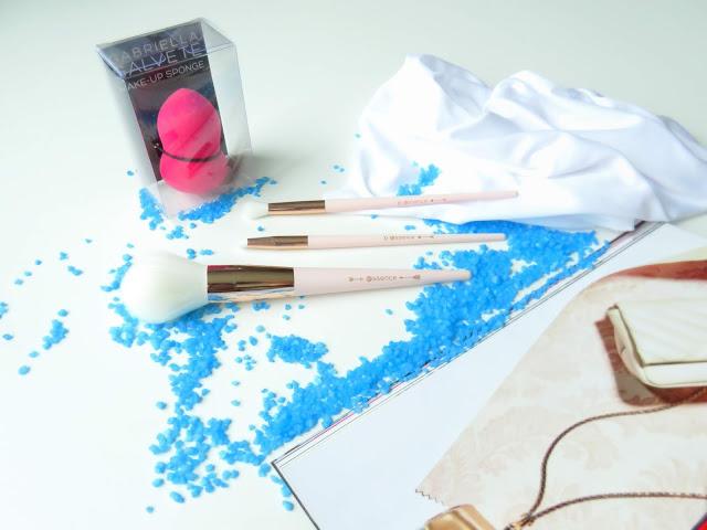 saveonbeautyblog_gabriella_salvete_hubka_na_makeup_recenzia