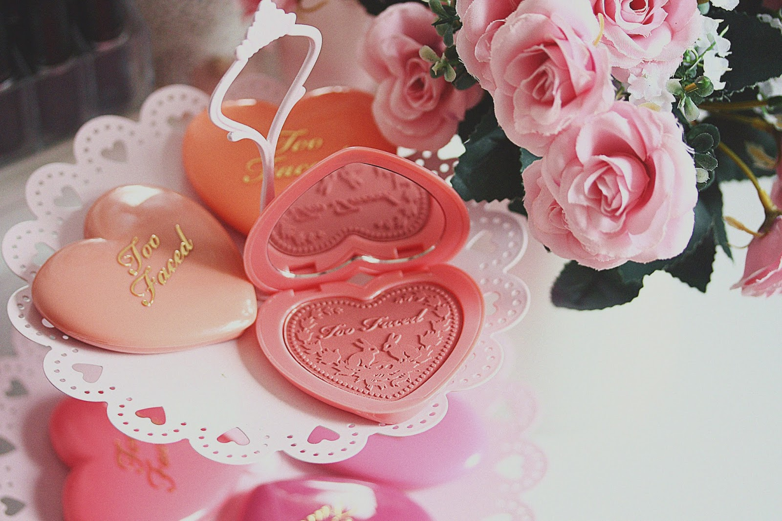 rosemademoiselle-toofaced-loveflush-blush-heart-review-swatch