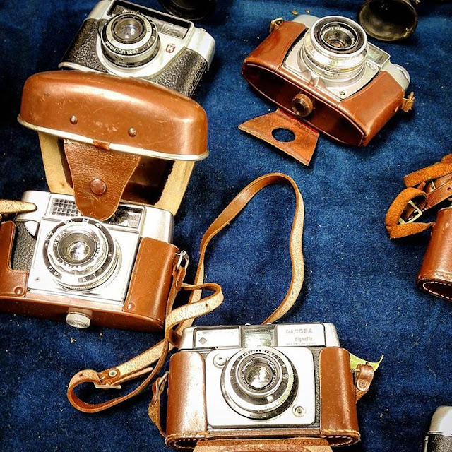 Travelling Hopper's Antique Clicks - Paris I France