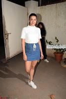 Surveen Chawla and her denim wears stunning Combination    Exclusive Galleries 009.jpg