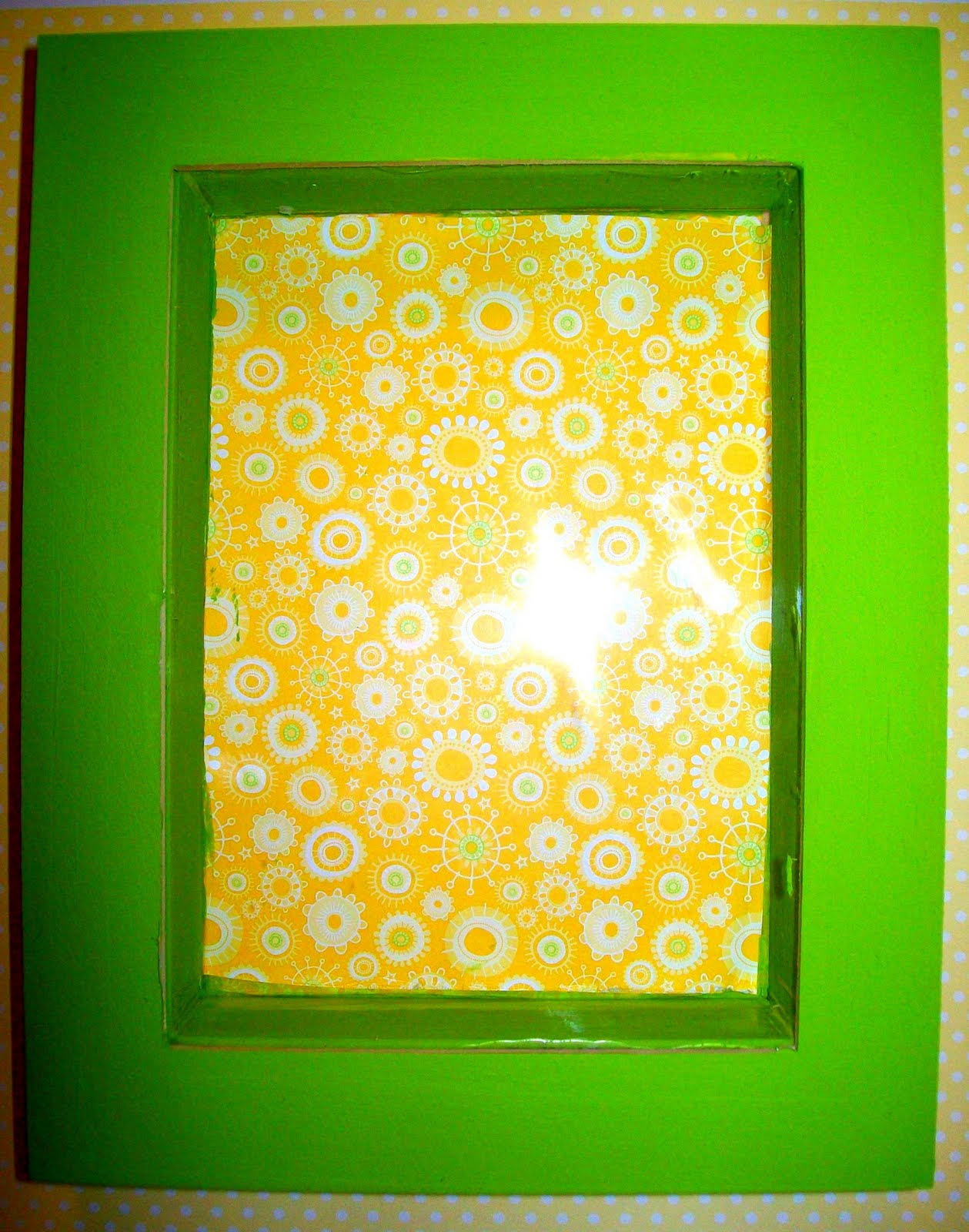 ViBella Inspirations: How to Decorate a Shadow Box