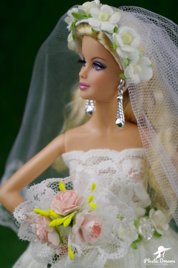 wedding gown for barbie