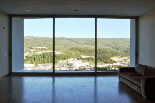 : Mega large hyperrealistic 3D flat screens built into houses in Spain