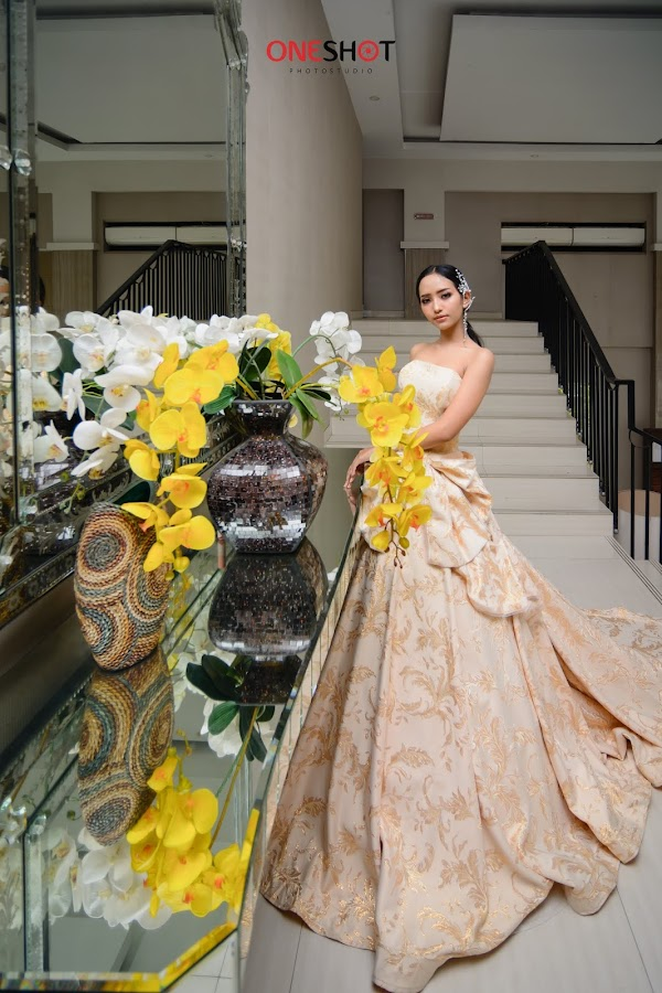Gown Photoshoot Feat Sewa Gaun Kebaya Jogja