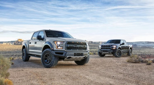 2017 Ford F-150 Raptor SuperCrew Review