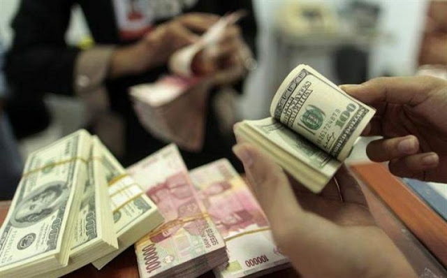 Dolar tergelincir sementara pound sterling naik, ini pemicunya..