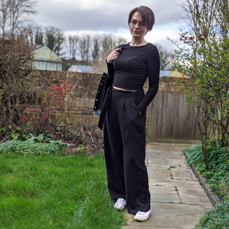 Saint and Sofia wide leg Pimlico Pant with side tie in Black
