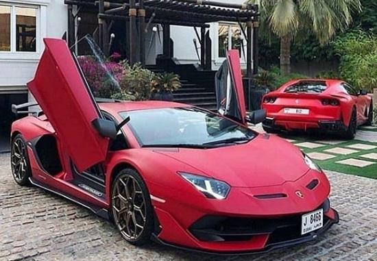 Lamborghini Aventador AT