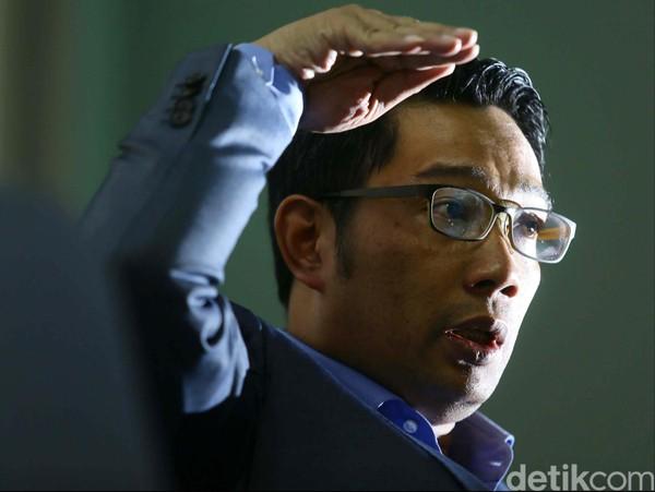 Mahfud Md Harus Tanggung Jawab Kerumunan HRS, RK: Hidup Ini Harus Adil