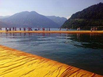 floating-piers-christo-bridge