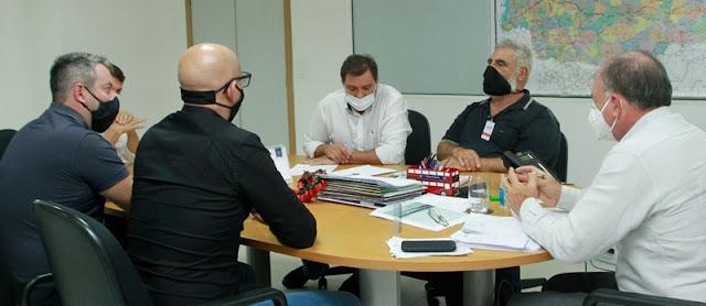 Same Saab e Pedrinho da Agrounião se encontram com secretários em Curitiba