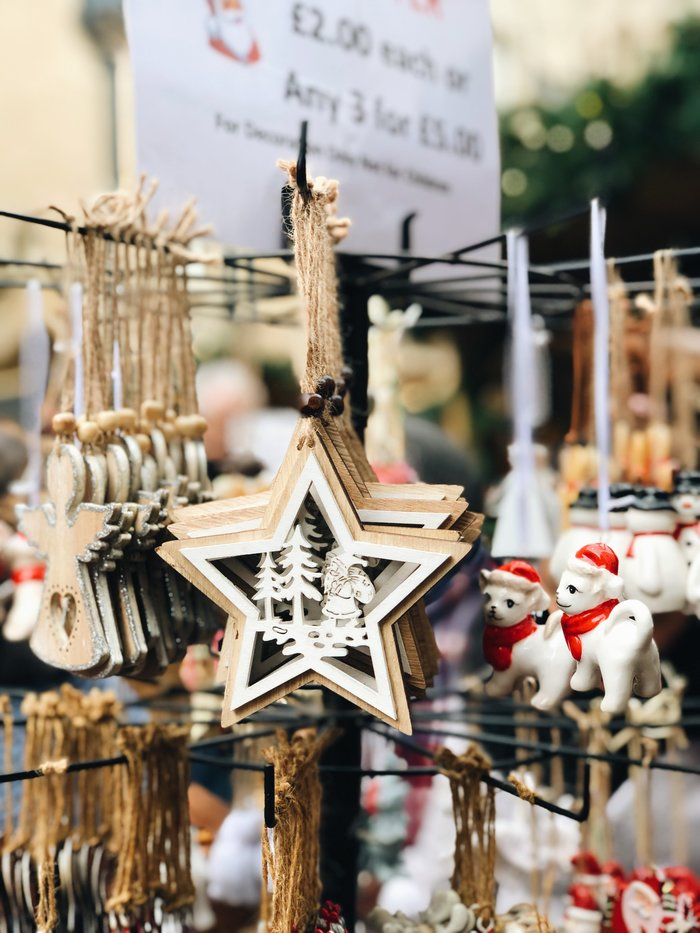 A wander around Oxford Christmas Market - what's there, what to eat and my overall opinion.