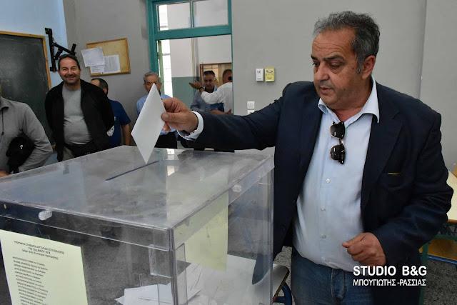Σε εξέλιξη η εκλογική διαδικασία για τις εσωκομματικές εκλογές της Νέας Δημοκρατίας στην Αργολίδα (βίντεο)