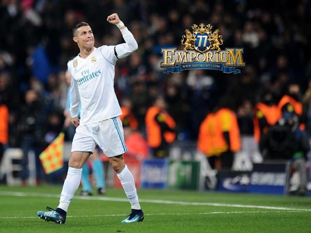 Ronaldo Meraih Gelar Ballon d'Or 2017, Pantaskan?