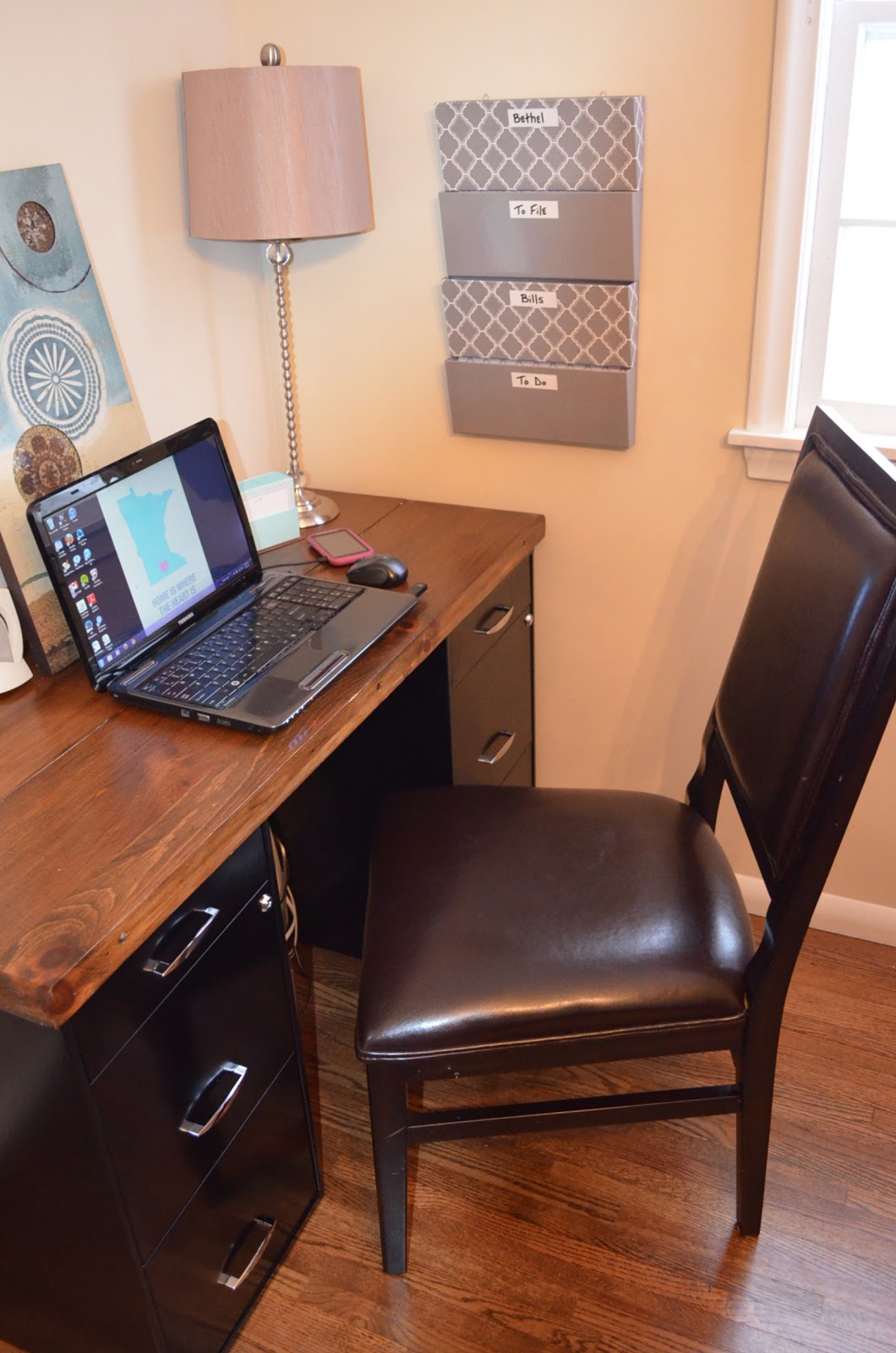 Desk Chair Diy Duncan Phyfe Dining Chairs For Sale An Inviting Home A