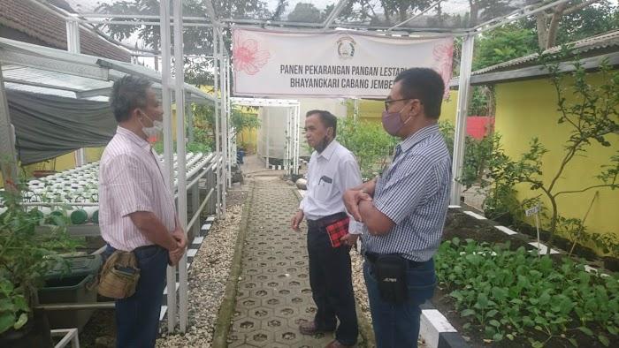 Polres Jember Sulap Lahan Tak Produktif Jadi Taman Edukasi Tanaman Holtikultura Berbasis Android System