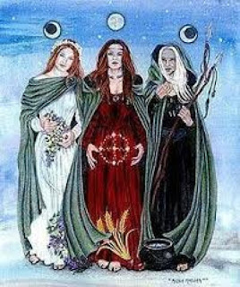 https://goddessinspired.wordpress.com/2012/03/24/moon-magic-and-the-triple-goddess/