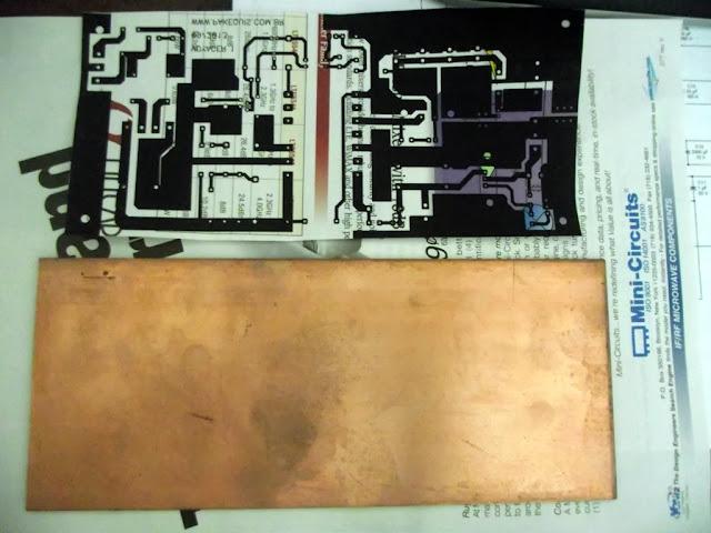 Placa virgem e layout impresso