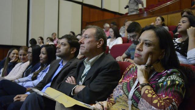 La implementación de la política pública, obedece a todas las acciones que hay previas a la sanción o firma por parte del gobierno en la reglamentación del acuerdo. Medios Alternativos, Independientes, Comunitarios y Ciudadanos de Medellín.