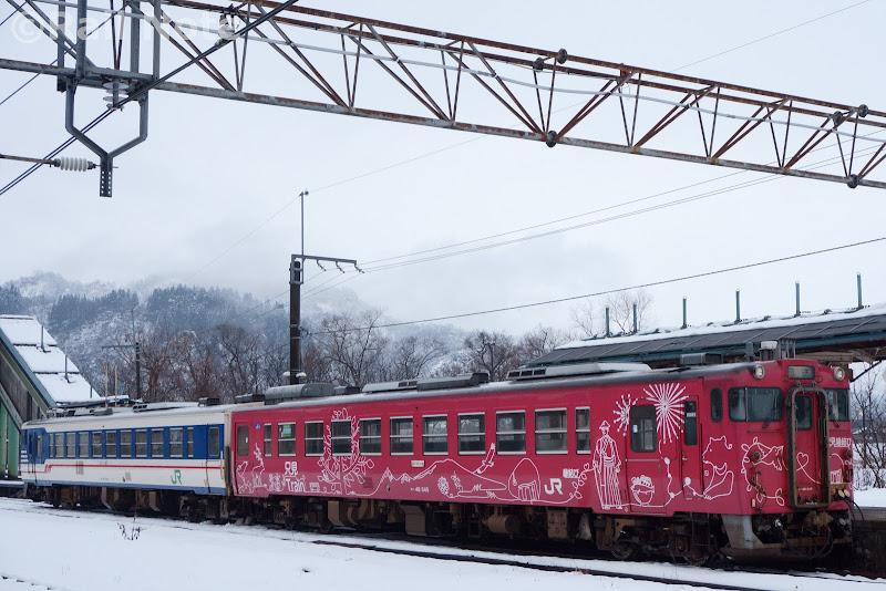 只見線小出駅停車中のキハ48系500番台・1500番台