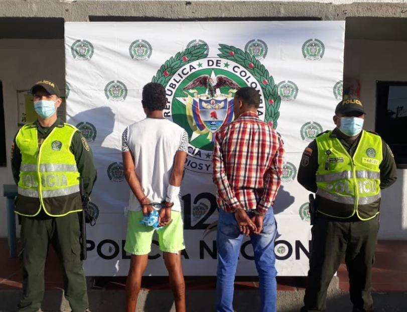 https://www.notasrosas.com/Capturados con 220 gramos de marihuana, en Maicao