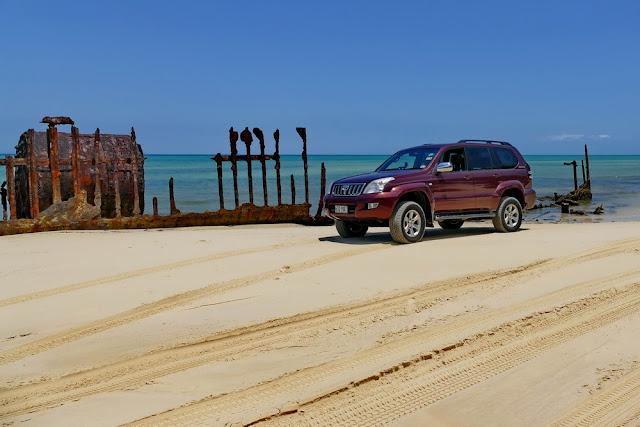 4x4 Auto 4WD Strand Moreton Island Insel Wrack