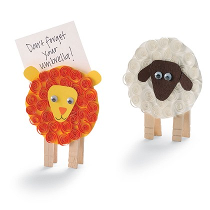 Craft: Lion and Lamb Note Holders