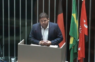 Vereador Renato Meireles em discurso pede sensibilidade por parte do prefeito de Guarabira.