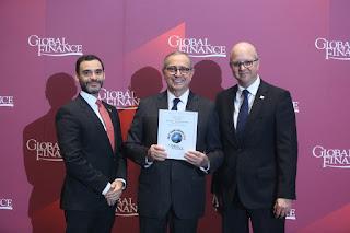 """Global Finance entrega a Banreservas premio """"Mejor Banco del Año"""" en RD"""