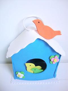 esta es la casita nido para pajaros en goma eva
