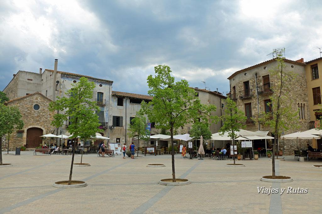 Plaza del Prat de Sant Pere, Besalú