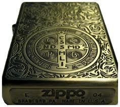462641fdf02 Religioso  Problemas com Anjos e Demônios  Que tal utilizar o Zippo oficial  do personagem Constantine.