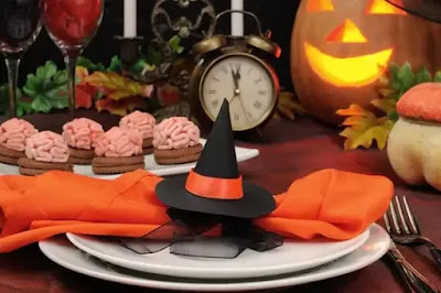 Ideas for the Halloween table: how to decorate it in a scary way 2