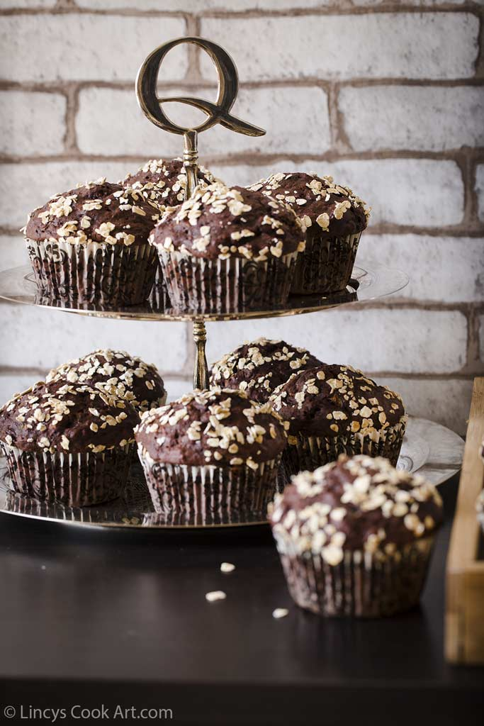 Chocolate zucchini oatmeal muffins