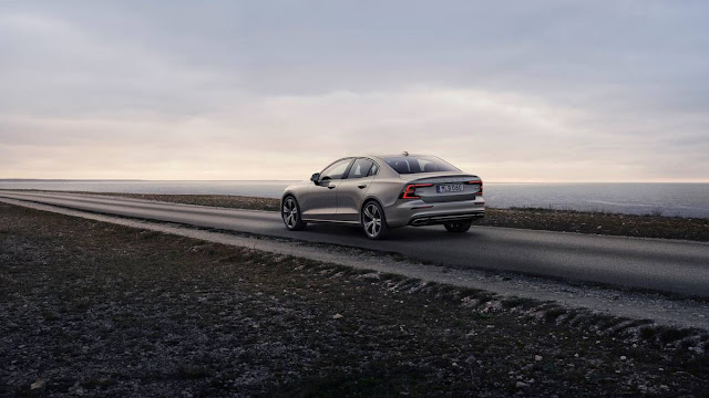 Next 2019 Volvo S60 US Hot Sale back view