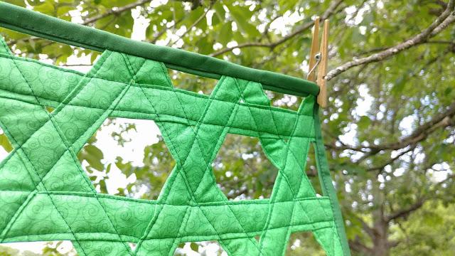 Open hexweave greenery quilt